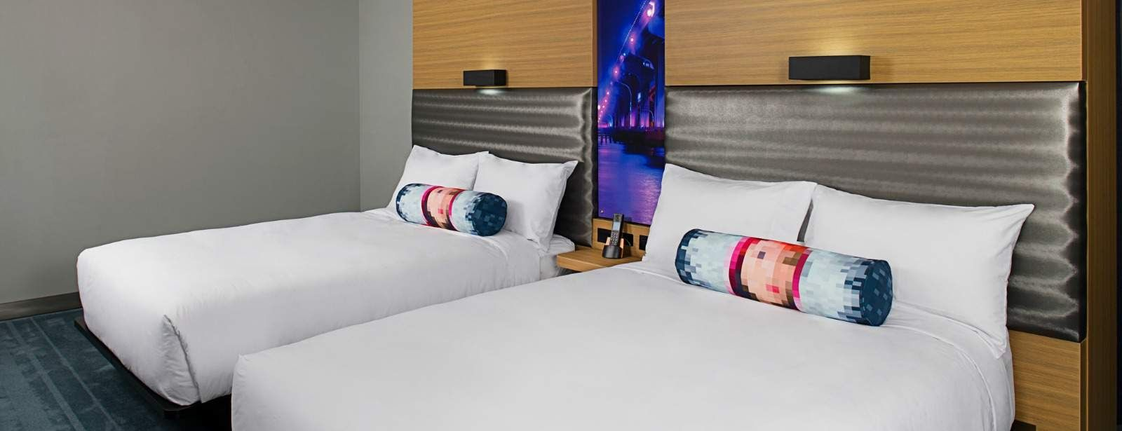 Brickell Accommodations - Aloft Oversized Room